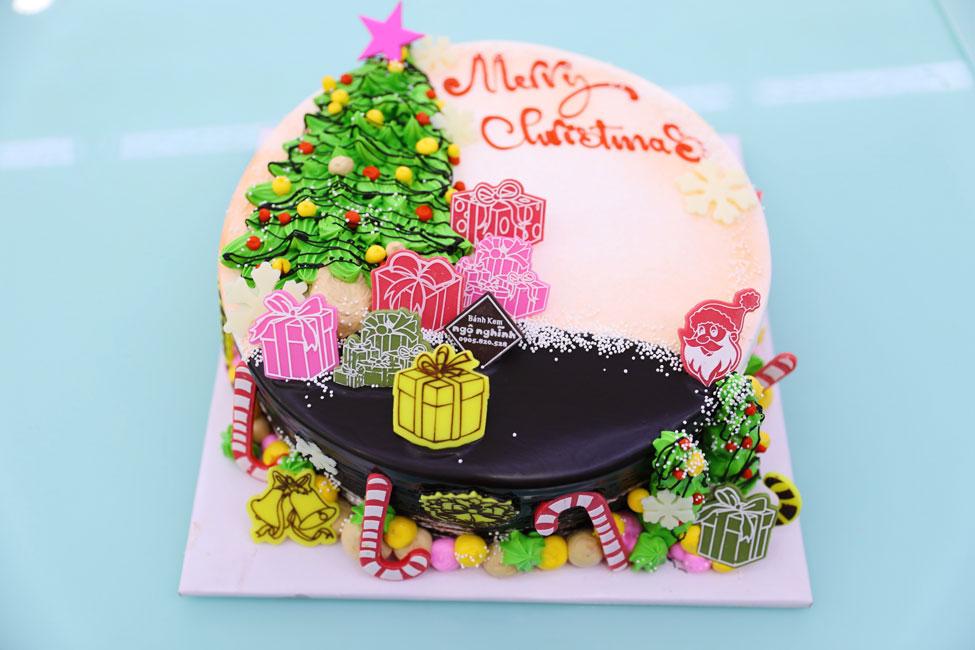 Bánh kem sinh nhật vẽ hình 3d cây thông trang trí siêu đẹp mắt đón ...