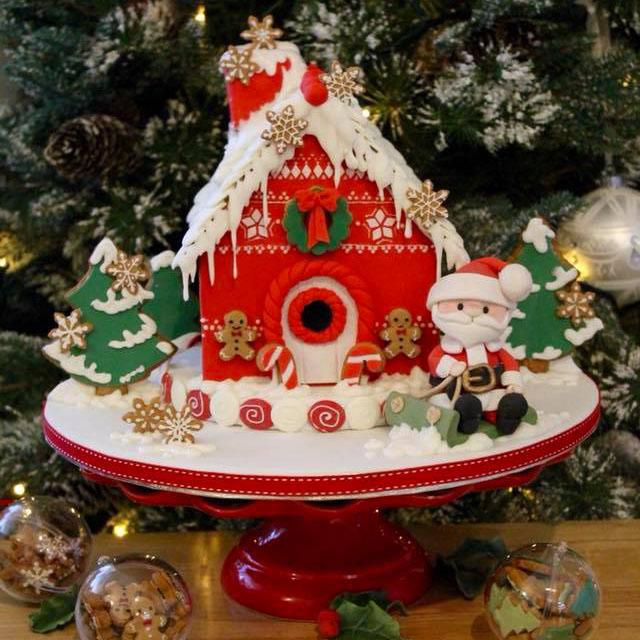 Bánh fondant ngôi nhà ấm áp màu đỏ và ông già Noel vui vẻ mùa ...