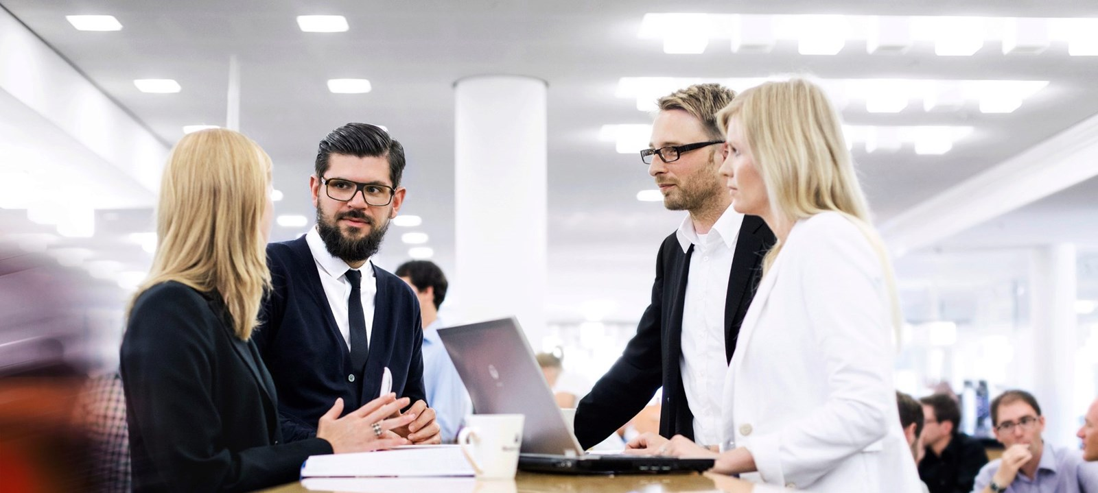 Sales executive là gì? Những yếu tố trở thành Sales executive chuyên nghiệp  là gì?