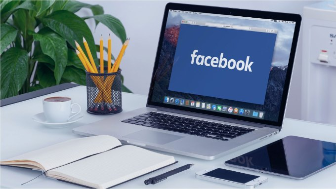 livestream facebook trên laptop